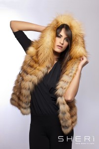 Paola - gold / red fox waistcoat with hood - Code: 117