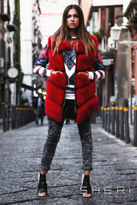 Lucia - red waistcoat fox + tassel - Jolie Collection