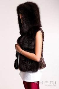 O2 - brown Fox waistcoat with hood - Jolie Collection